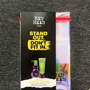 Bedhead tigi stand out don't fit in curls gift set